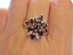 Gyönyörű onixköves ezüstgyűrű