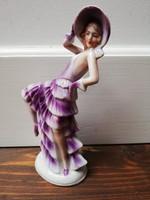 Lila ruhás táncosnő antik porcelán figura sorszámott jelzés nélkül