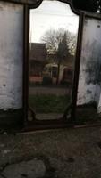 Kastély berendezéshez is alkalmas, hatalmas, barokk tükör.