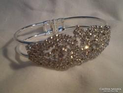 Swarovsky kristályos ezüstszinű karkötő