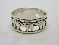 Gyönyörű ezüst gyűrű  elefántokkal