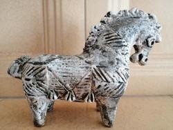 Halstatt kerámia ló szobor