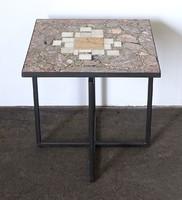 0Y979 Márványlapos dohányzóasztal 50 x 50 x 50 cm