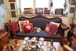 Régi felújított bieder kanapé