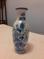 Kék-fehér porcelán váza kakas motívummal