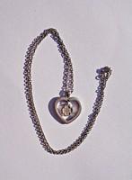 925-ös szív alakú medál, 41 cm. hosszú láncon