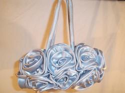 Retikül - ÚJ - SZATÉN - rózsás  - ezüst - mindkét oldalán rózsa - 22 x 12 cm +17 cm fül