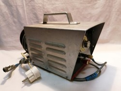 Régi akkumulátor töltő