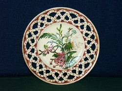 Csipkés szélű, gyönyörű antik tányér, jelzett