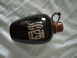 Keleti szakés, kínai kerámia vagy porcelán pálinkás butykos, italos palack