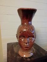 Kedves fej formájú jelzett füles váza