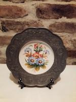 Ón dísztányér, porcelán betéttel