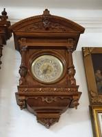 Restaurált antik reneszánsz könyvtáróra