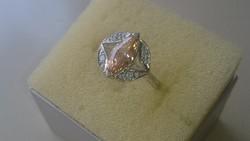 Ezüst gyűrű sárga citrin szinű kővel és cirkonkövekkel diszitve 925