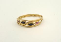 Zafír, rubin köves18 karátos arany gyűrű Jelzett 1,5 g