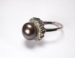 Ródiumozott gyűrű valódi igazgyönggyel.