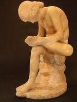 TÖVISHÚZÓ FIÚ, alabástrom szobor (428298)