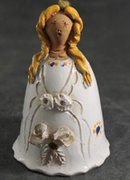 Figurális lányka kerámia csengő