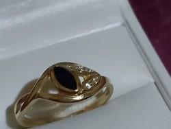 Arany gyűrű zafír kővel