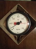 Nyomásmérő óra