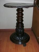 Antik nagy méretű posztamens, kis asztal, szobor- és virágtartó