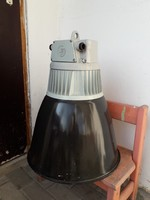 Régi retró óriási vintage loft ipari zománcos csarnok lámpa világítás