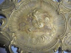 Barokk puttós fém hamutál