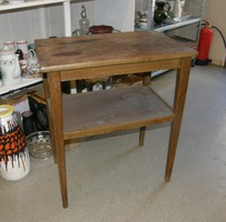 Régi asztal