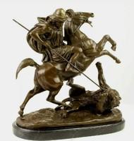 Hatalmas bronz szobor - Oroszlánra vadászó férfi