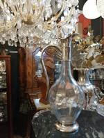 Ezüst nyakú, régi csiszolású likőrös üveg.