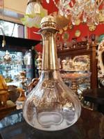 Ezüst nyakú és dugó, régi csiszolású likőrös üveg.