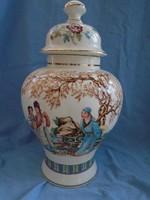 單個中國花瓶,始於18世紀中葉的清武彩王朝。從其中可以看到美麗逼真的作品 40 cm