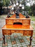 Reneszánsz íróasztal