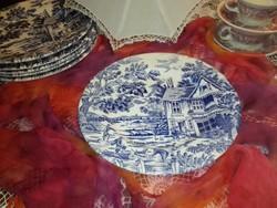 Kék jelenetes , lapos porcelán tányér.