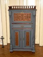 Különleges antik ónémet szekrény szekreter felújítva