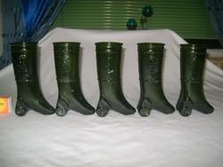Öt darab régi, csizma alakú, domború feliratos boros pohár üvegből