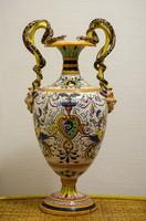 Olasz majolika kézzel festett 40 cm magas amphora váza 1800-as évek vége