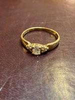 18K arany gyűrű 0,15ct gyémántal