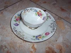 Virágos reggeliző tányér és kávéscsésze