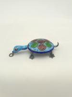 Szerencsehozó ezüst zománcozott teknős mozgó fejjel  jelzett