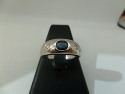 Fehér arany unisex gyűrű kék zafírral és brillekkel