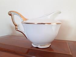 Régi porcelán tejkiöntő arany-fehér tejszínes kínáló