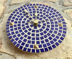 Királykék és antik arany színű Mozaik falióra modern dizájn