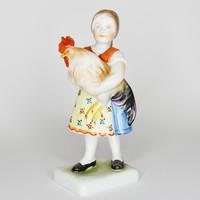 Herendi porcelán: Kakast ölelő kislány