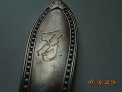 Antik dombormintás monogramos ezüstözött villa W&B 60 jelzéssel