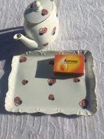 Gyönyörű Porcelán Jelzett Victoria kínáló tálca tányér + Kiöntő, Süteményes gyerek