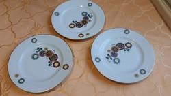 Porcelán süteményes tányér eladó! Antik Henneberg Porzellan 1777 DDR  3 db eladó!