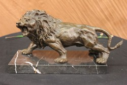 Oroszlán  bronz szobor  2019