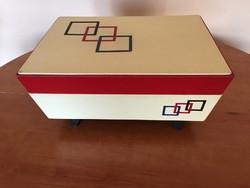 Régi gyönyörű varrós doboz 50-es 60-as évekből