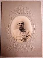 FERENC JÓZSEF MAGYAR KIRÁLY EREDETI FOTÓ MAGYAR SZENT KORONA DOMBOR NYOMOTT PASZPARTU cca 1890